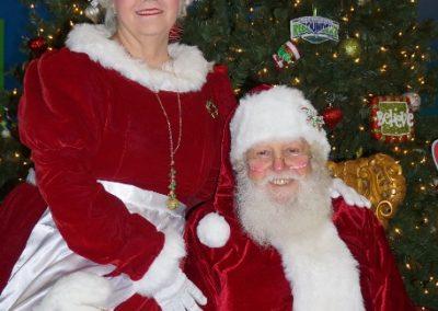 Santa & Mrs Claus (10)