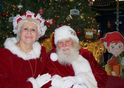Santa & Mrs Claus (8)
