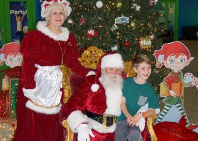 Santa & Mrs Claus (9)